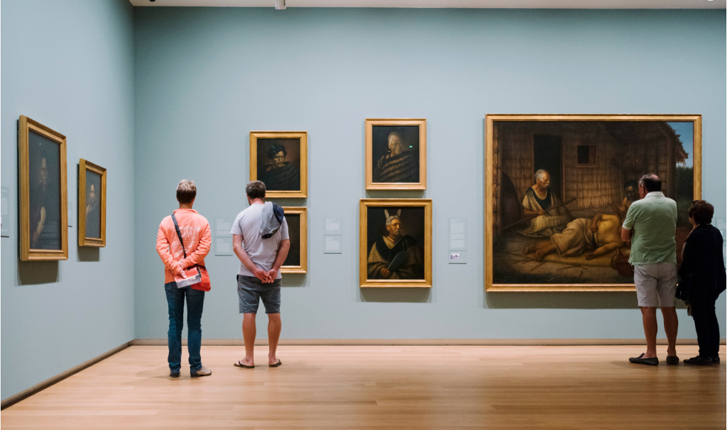 Art gallery learns from the 4 ways to grow a business